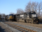 NS 2527 & CSX 5337